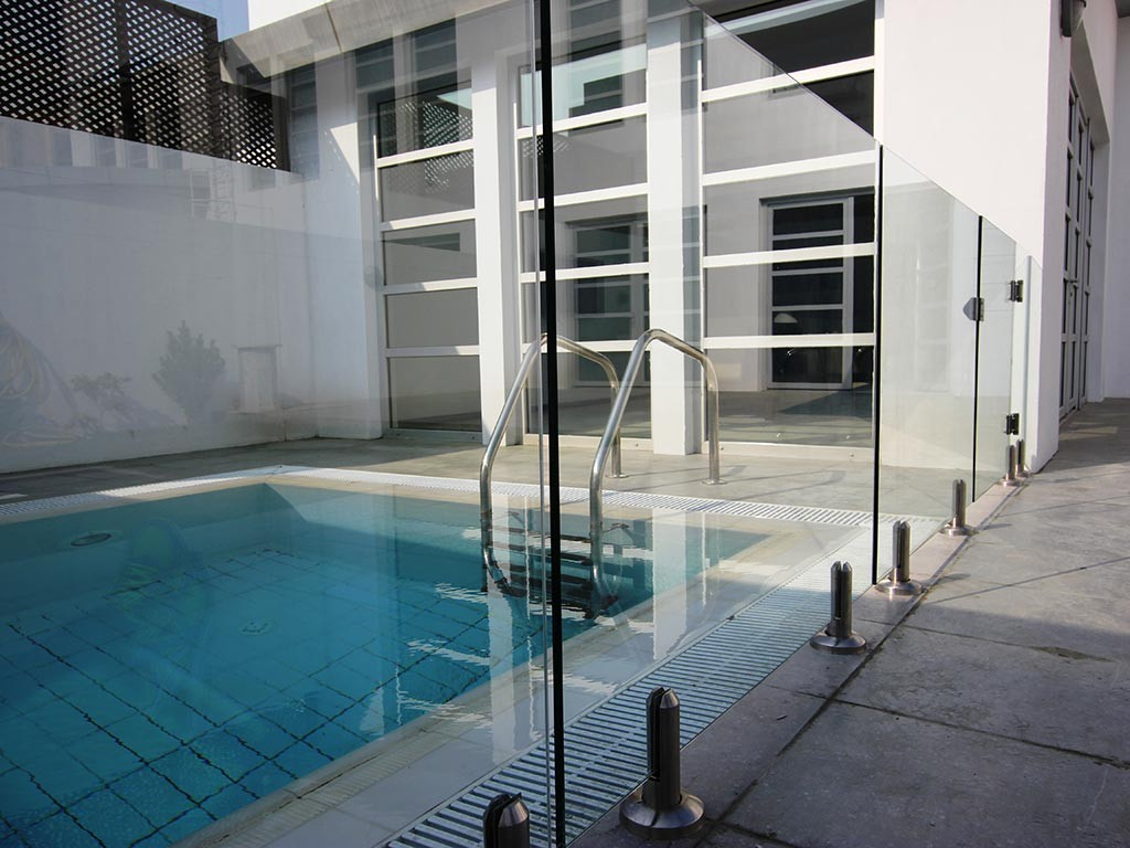 Glass Pool Fencing Dubai Al Safa Villa 00002
