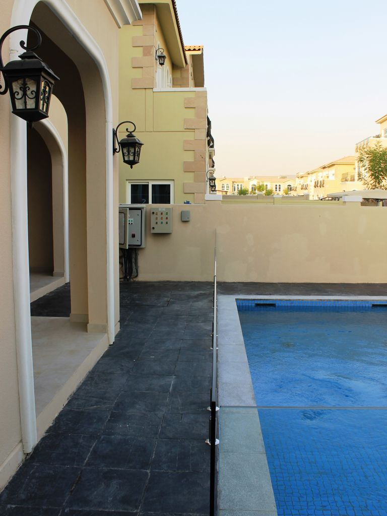 Glass Pool Fencing Motor City Dubai 008