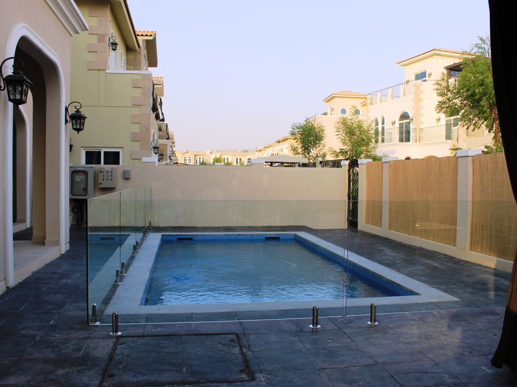 Glass Pool Fencing Motor City Dubai 011