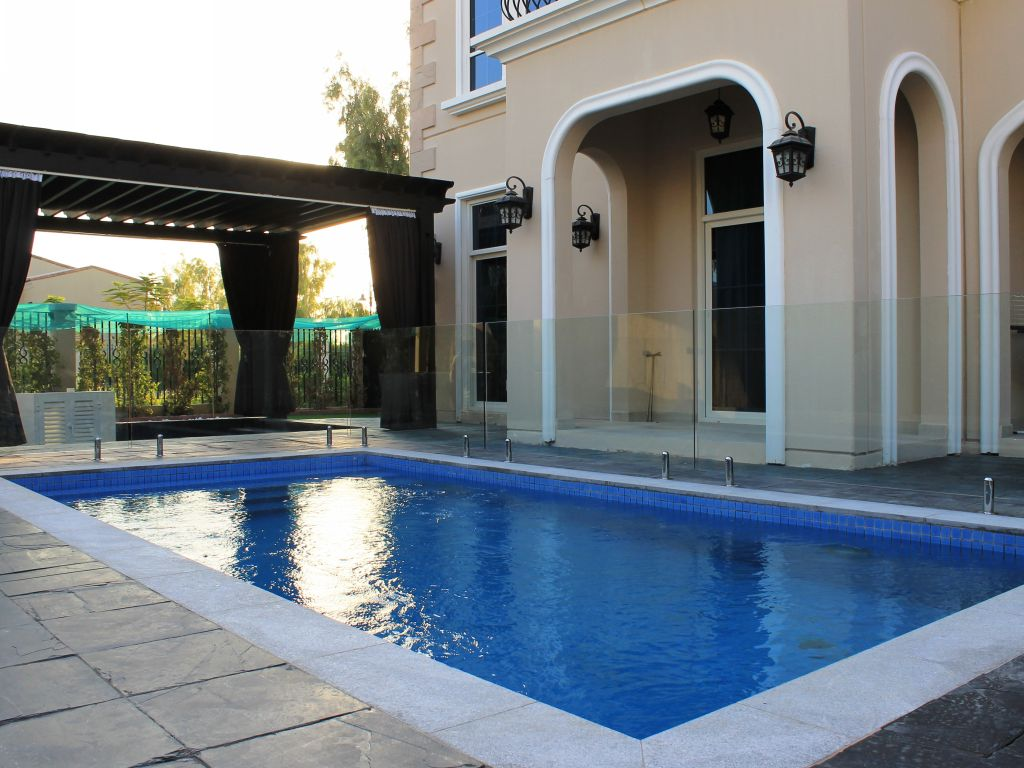Glass Pool Fencing Motor City Dubai 013