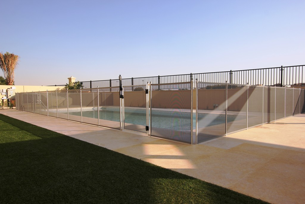 Glass Pool Fencing Ls Aveinda 00001