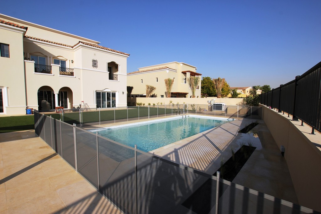 Glass Pool Fencing Ls Aveinda 00006