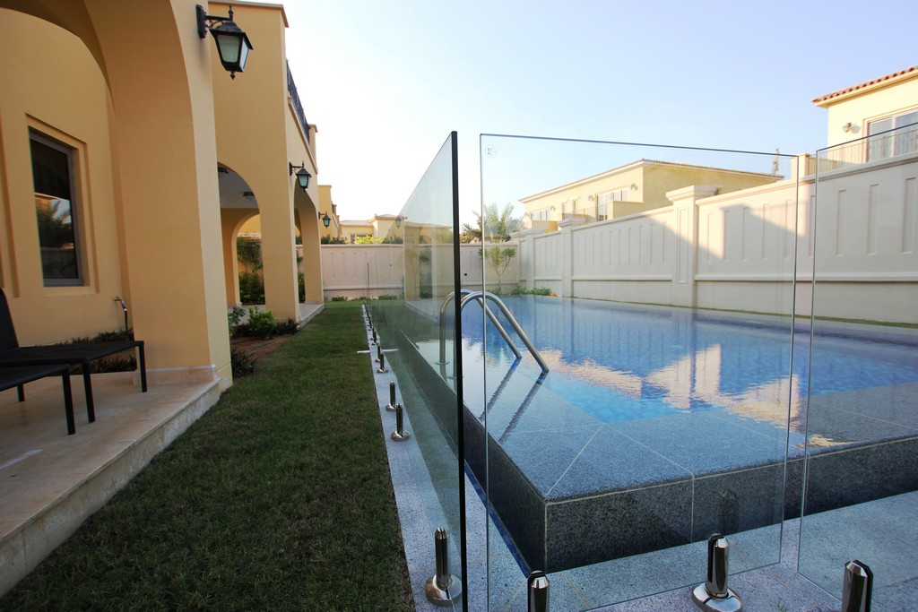 Glass Pool Fencing Sadiyat Island Abu Dhabi00002