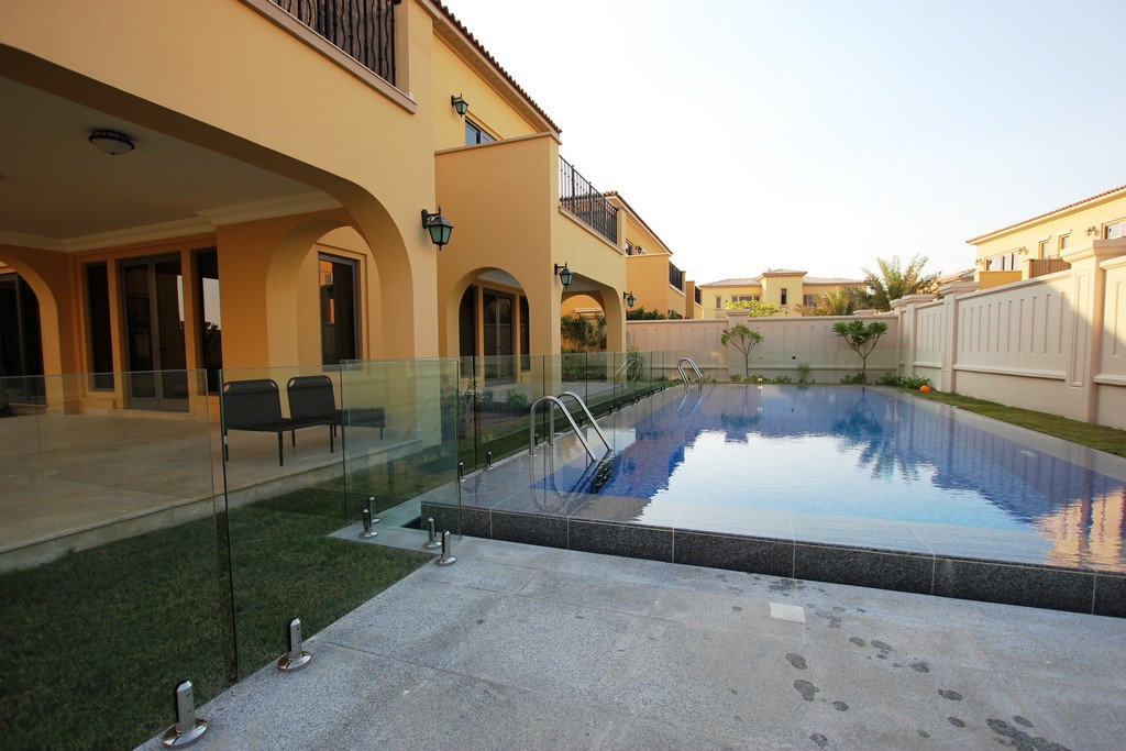 Glass Pool Fencing Sadiyat Island Abu Dhabi00003
