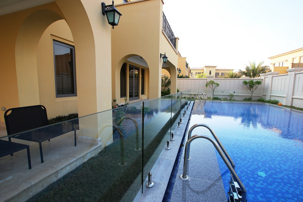 Glass Pool Fencing Sadiyat Island Abu Dhabi00009