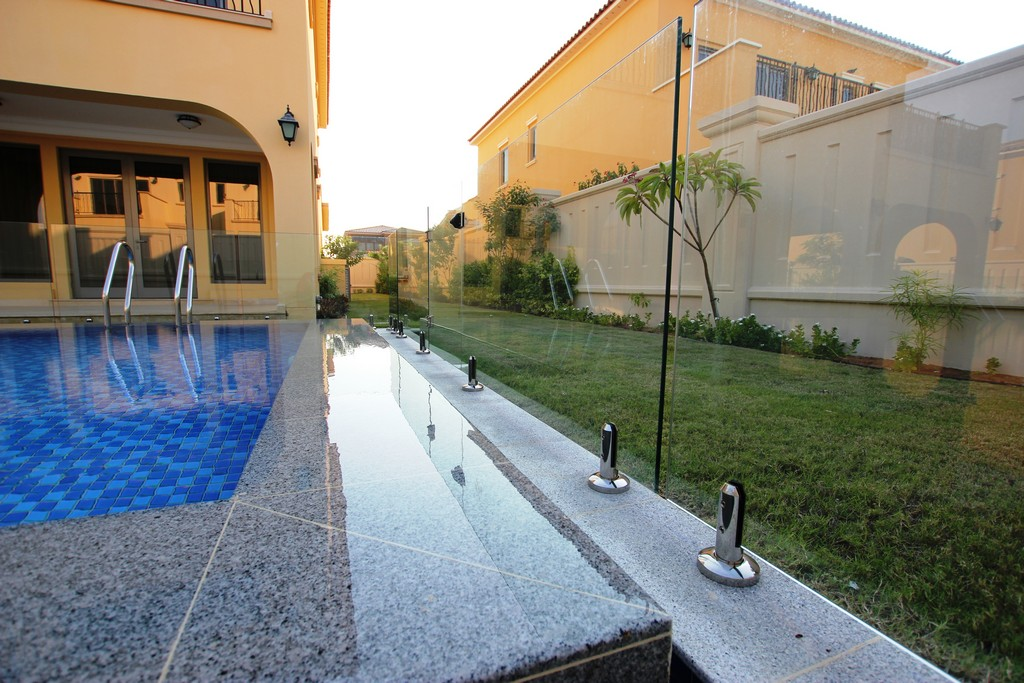 Glass Pool Fencing Sadiyat Island Abu Dhabi00010