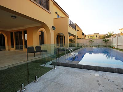 Stylish Glass Pool Fencing